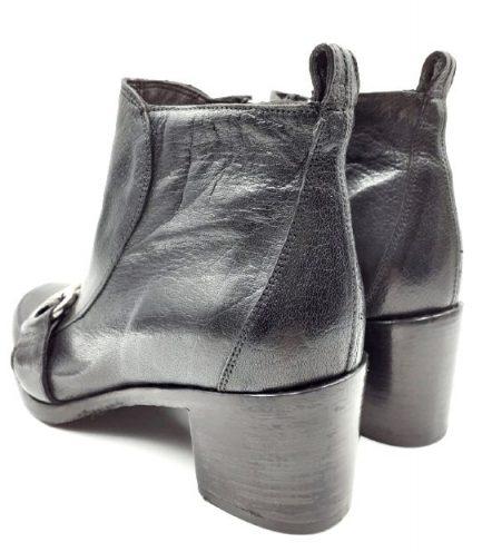 black-boots-rear