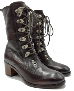brown-vicrtorian-boot-side